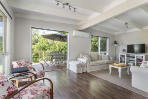Blairgowrie Bella - light filled home with great deck - Accommodation Great Ocean Road